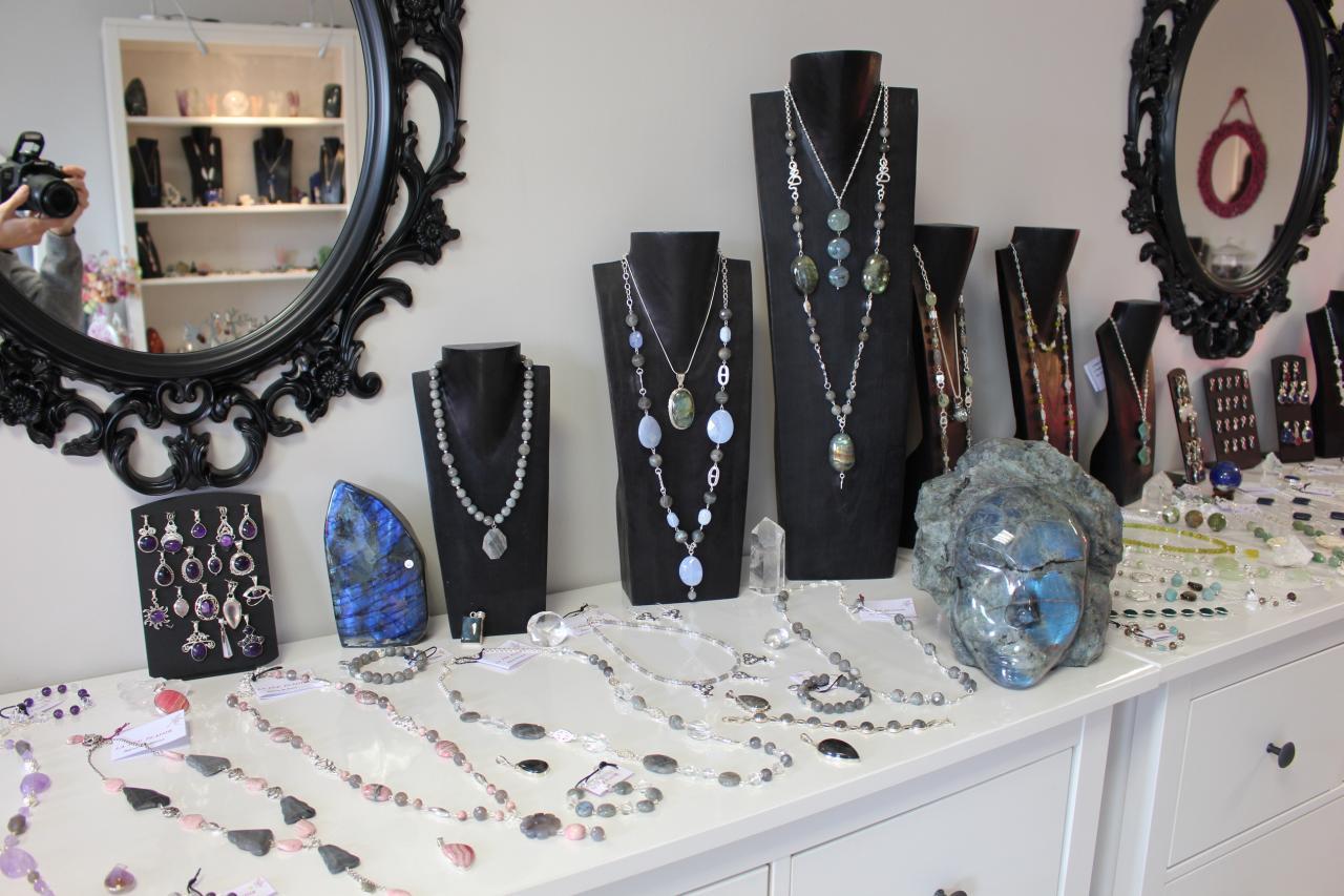 Bijoux rhodochrosite, labradorite et pendentifs améthyste, quartz rose
