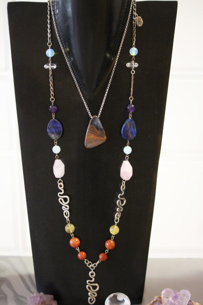 Collier long 7 chakras + pendentif opale